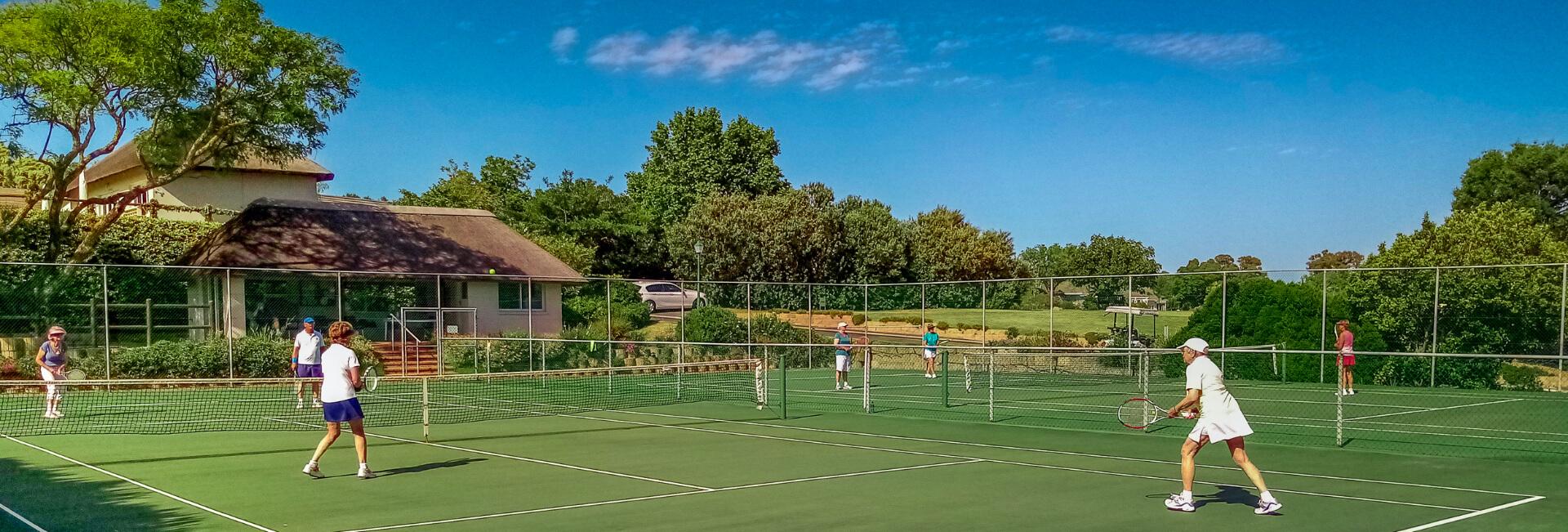 <p>Tennis</p> - 0